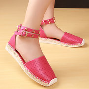 Big Size Hollow Out Breathable Rivet Stappy Buckle Knitting Flat Roman Sandals