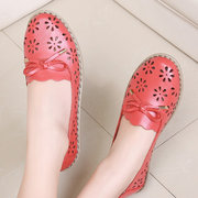 Hollow Out Floral Brethable Butterfly Knot Slip On Flat Leather Shoes