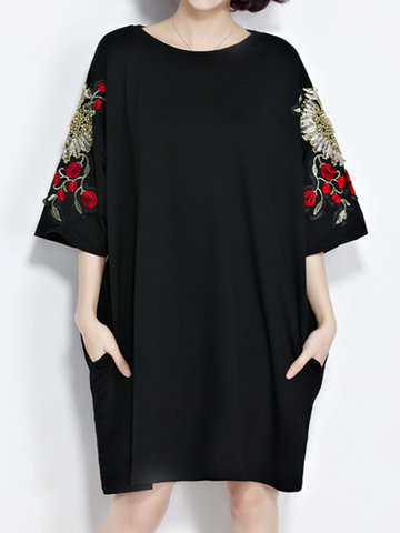 Casual Women Embroidery loose O-Neck 3/4 Sleeve T-Shirt