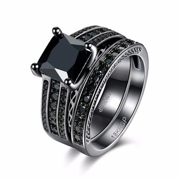 INALIS Zircon Gun Black Plated Ring