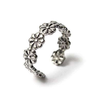 Посеребренное кольцо из ромашки